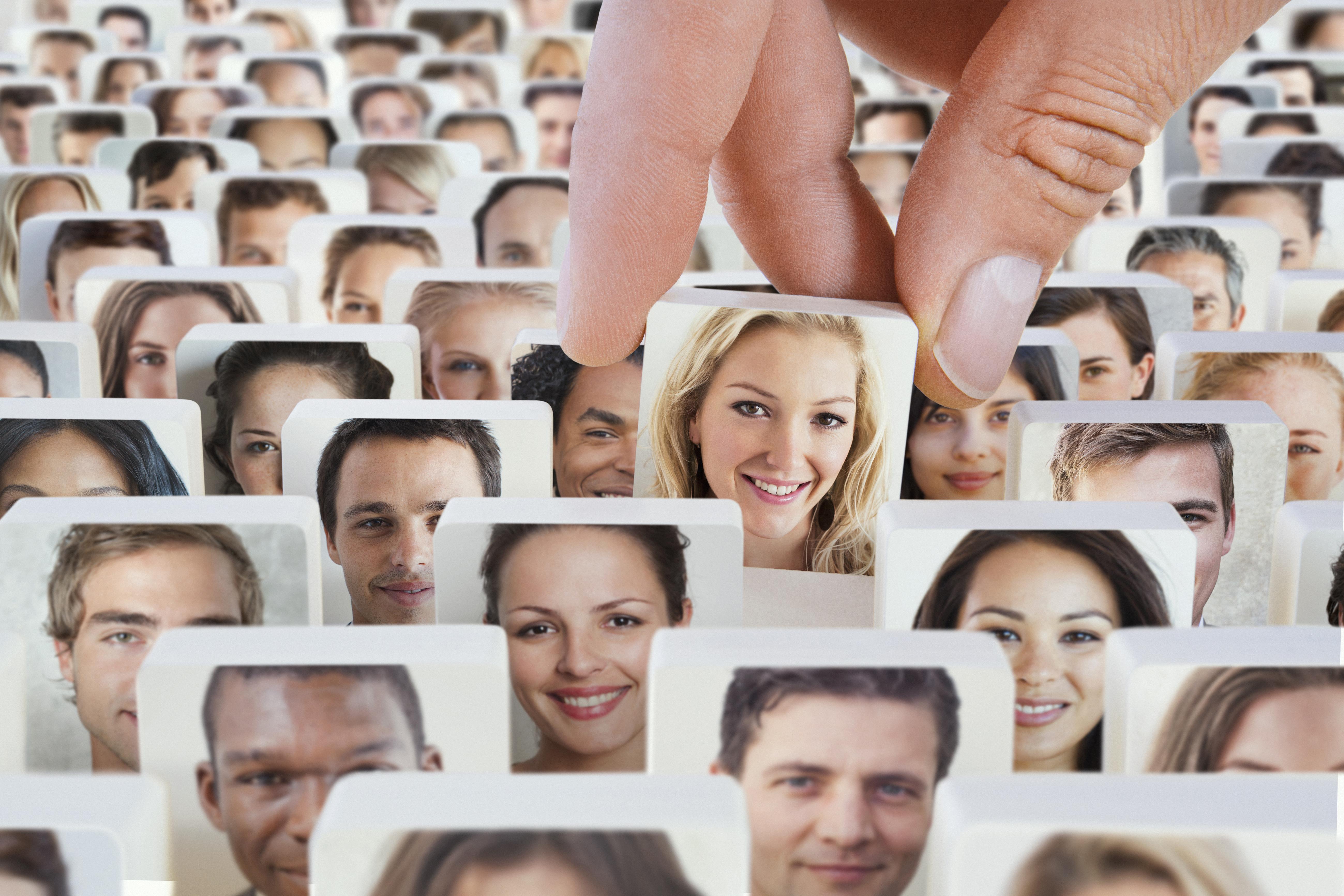Online daten is razend populair en groeit de laatste jaren enorm, iedereen date.