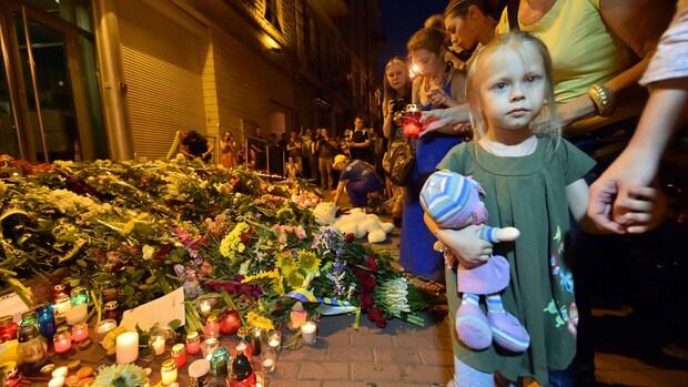 Bloemen bij Nederlandse ambassade Kiev