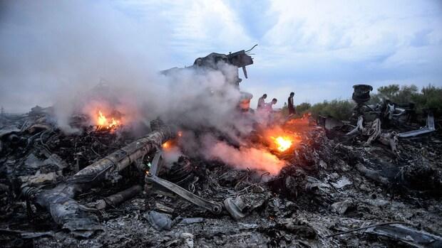 Foto's en ooggetuige: raket uit separatistengebied haalde MH17 neer