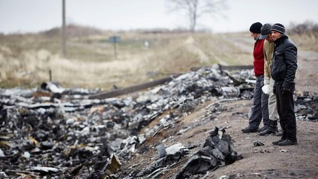 Veel stoffelijke resten gevonden op rampplek MH17