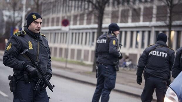 Deense politie doorzoekt internetcafé