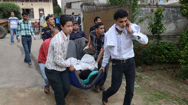 Noodhulp Nepal op gang, dodental naar 1341