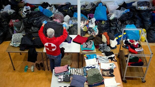 Nederlanders massaal in touw voor vluchtelingenhulp Rode Kruis