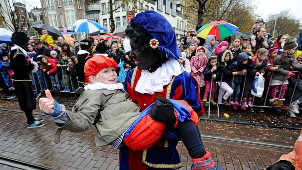 Op meeste scholen blijft Zwarte Piet zwart