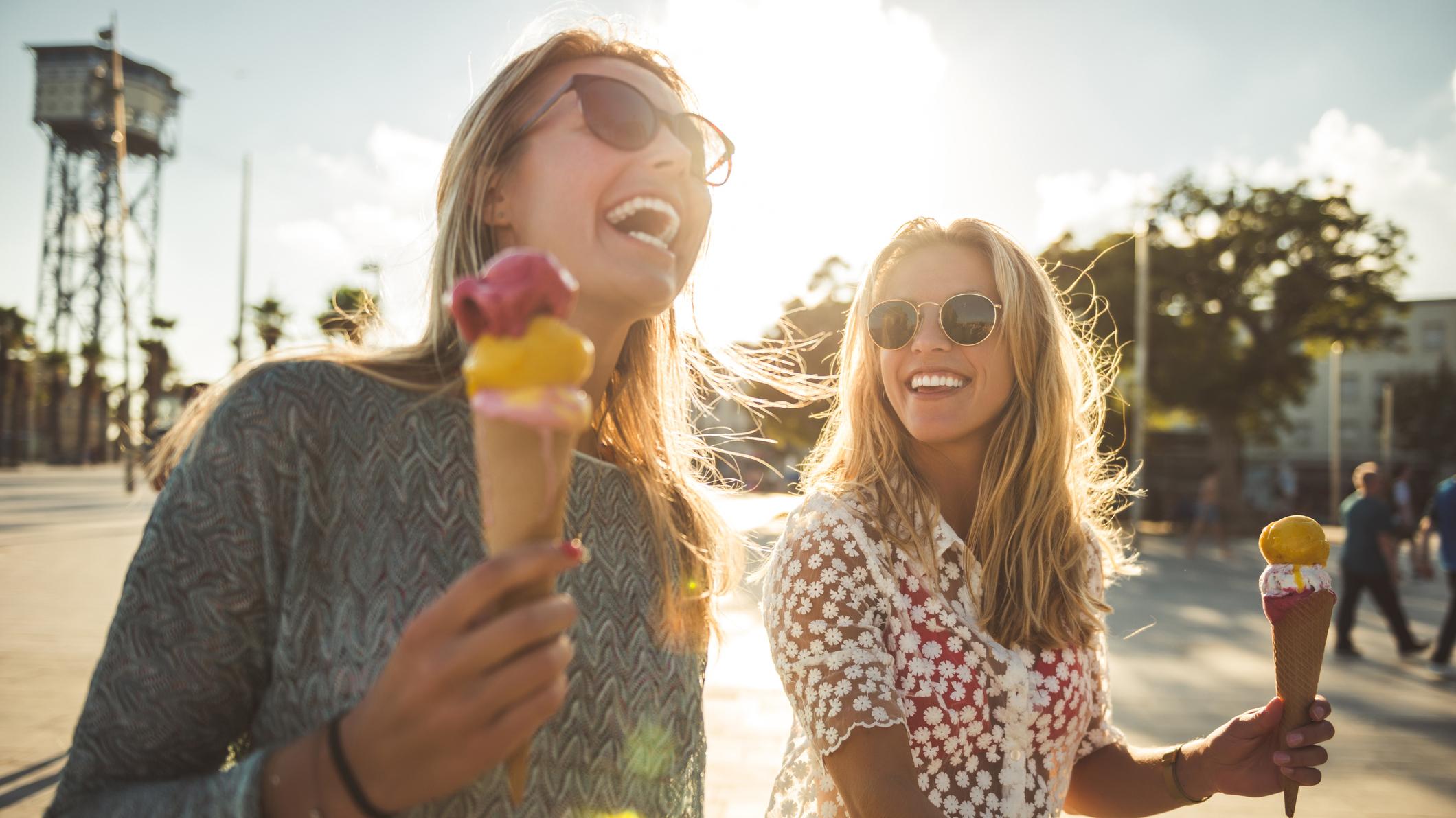 Twee vriendinnen geven wat ze willen