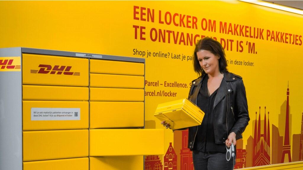 Bij de DHL-locker kun je zonder jezelf te identificeren pakketjes ophalen.