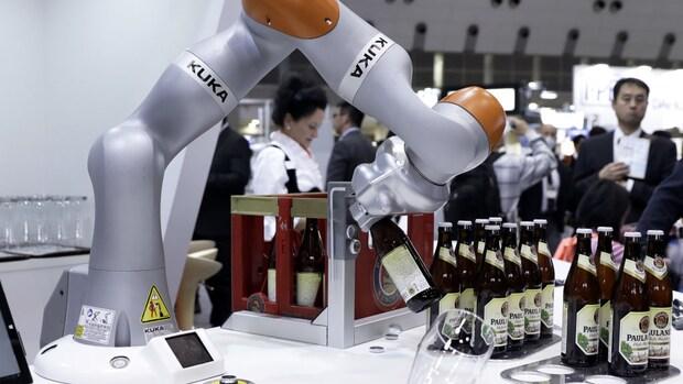 Robotisering: banen verdwijnen maar er komen nieuwe voor terug