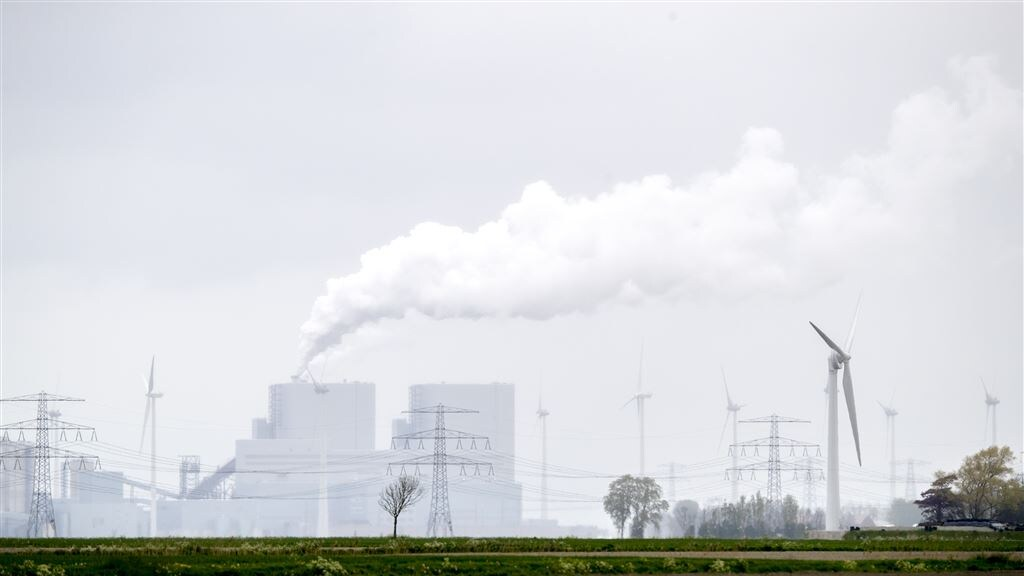 De kolencentrale in de Eemshaven.