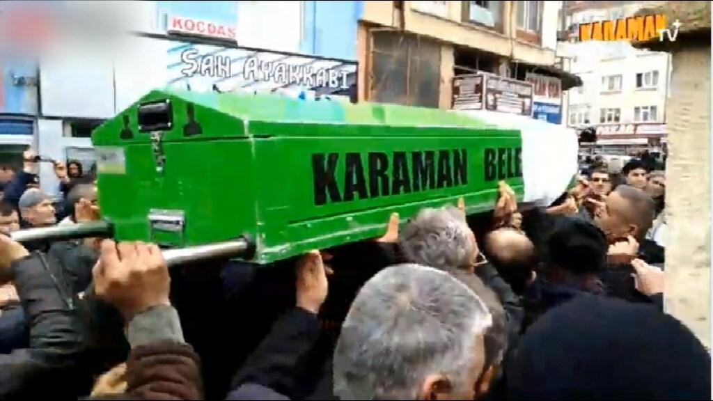 Humeyra werd door de straten van Karaman gedragen
