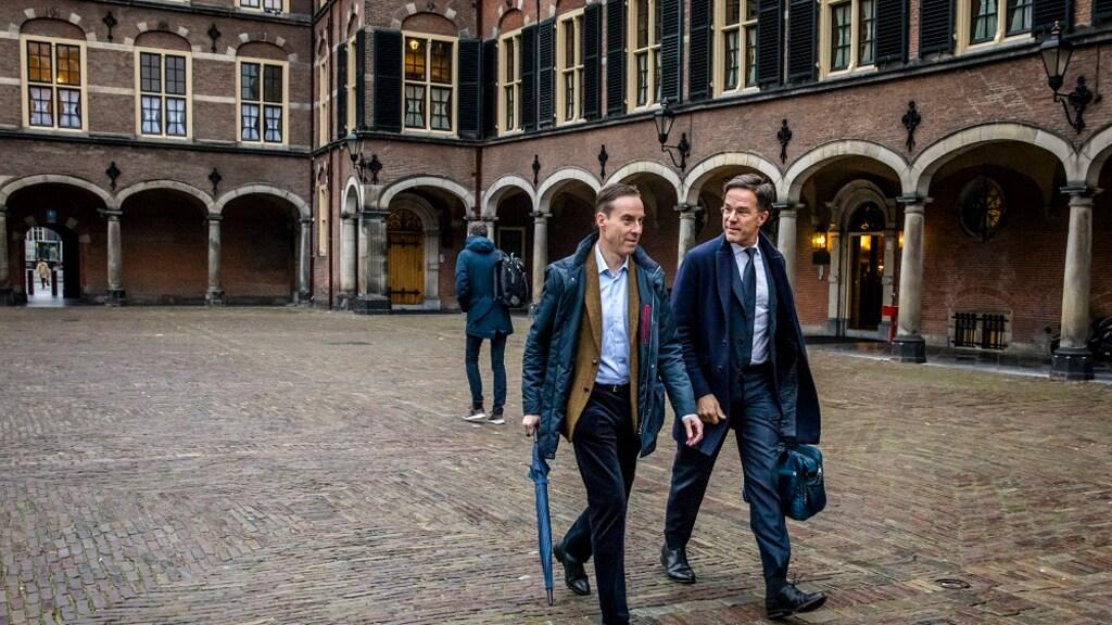 Premier Rutte met Stephan Schrover van de RVD.
