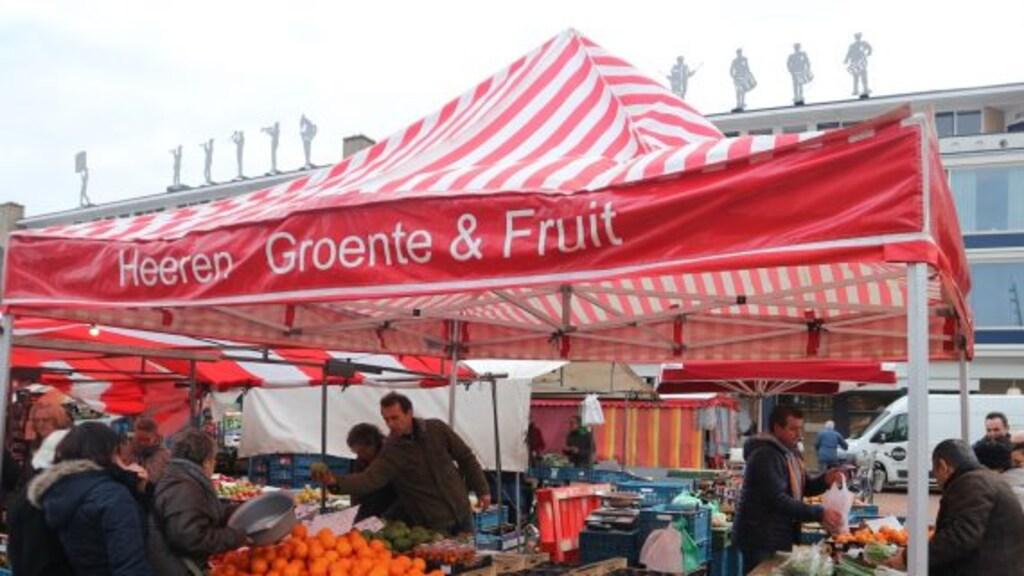 De kraam van Heeren Groente en Fruit in Roosendaal.