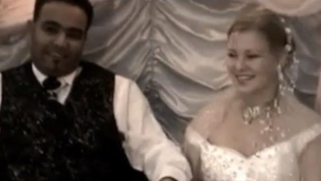 Een trouwfoto van Mandy en Yasser.