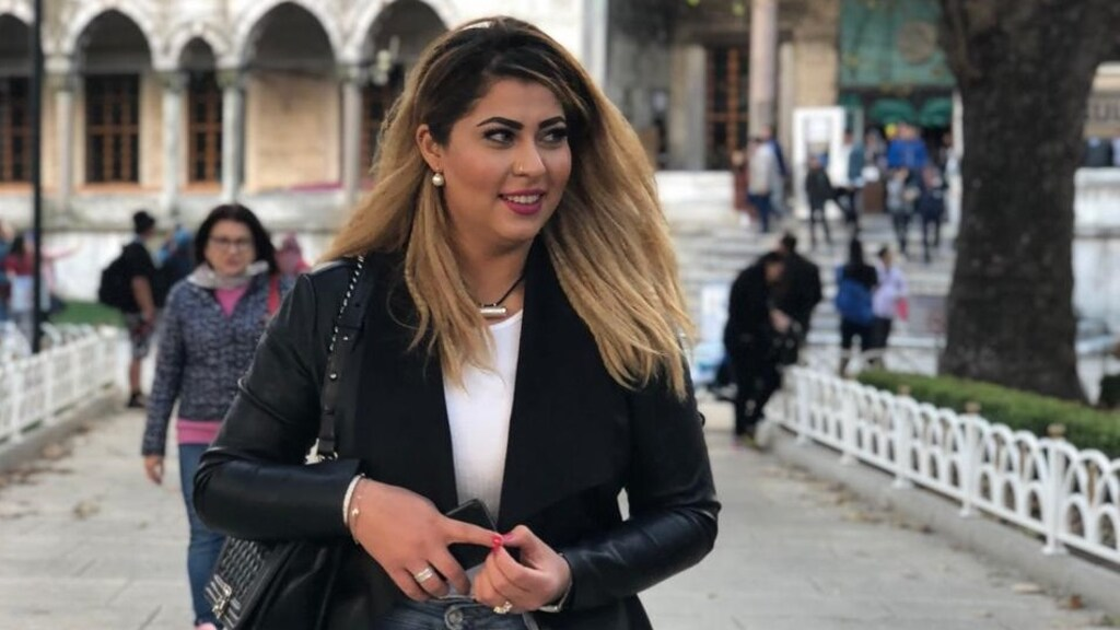 Nilab tijdens een zakenreis in Turkije