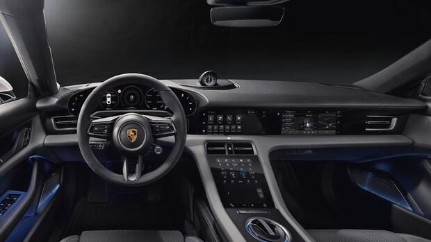 Elektrische Porsche Taycan heeft touchscreen voor passagier