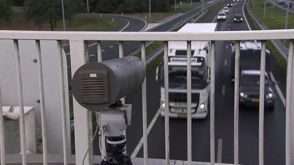 De nieuwe camera flitste vandaag boven de A1 bij Laren.