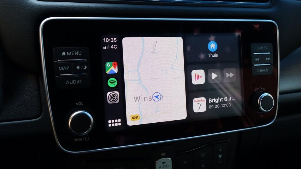 Nieuw home scherm met Apple Maps en shortcuts.