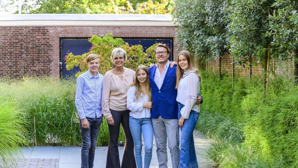 Constantijn, Laurentien en hun kinderen.