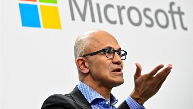 Microsoft geeft topman Satya Nadella meer macht