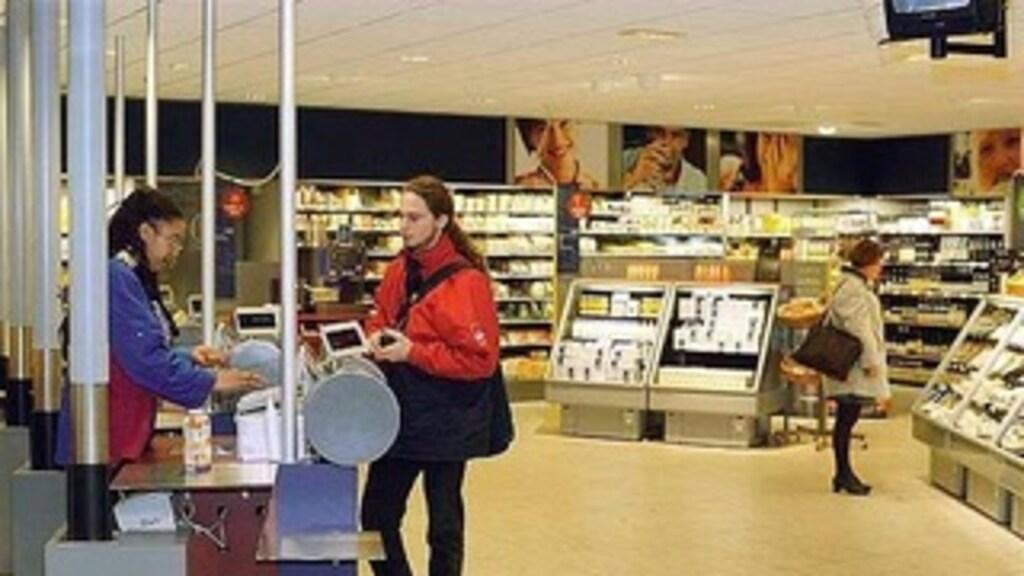 Aurora Richardson (links) was in 1999 de eerste AH to go medewerker