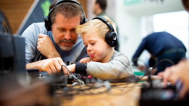 Bright Kids op Bright Day: robots, proefjes en programmeren