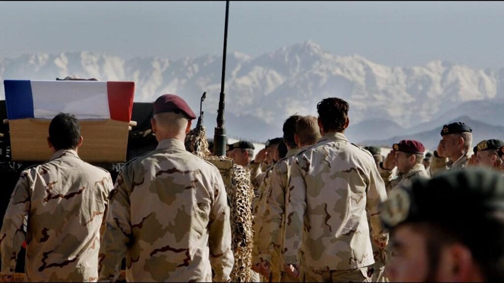 Afscheid in Kamp Holland. In Afghanistan kwamen ook meer dan 20 Nederlanders om.