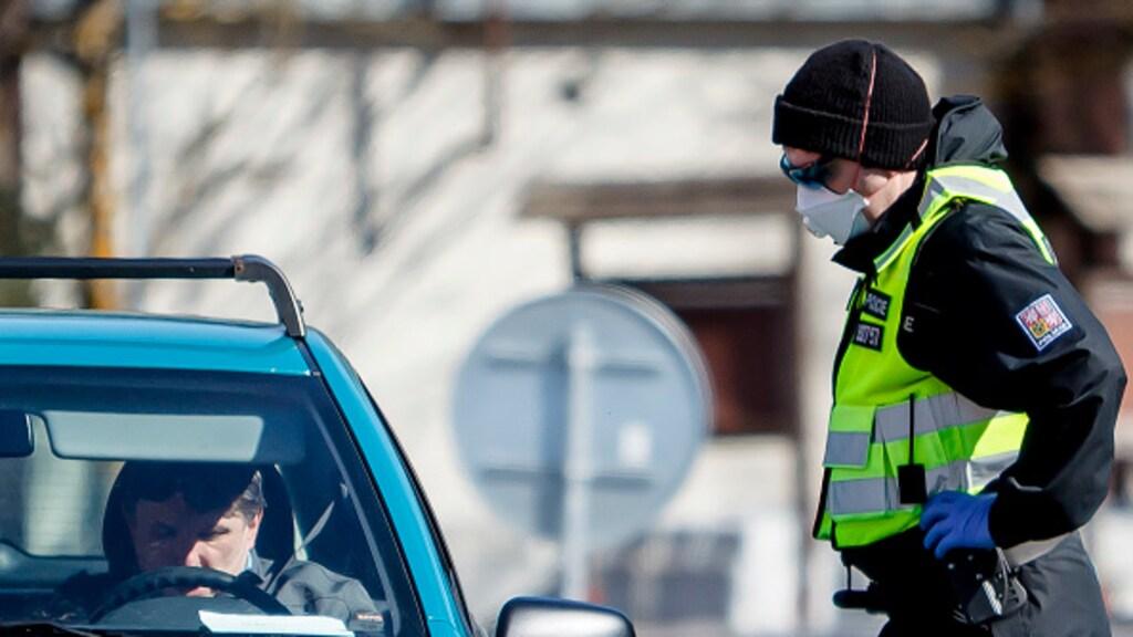 Ook in Tsjechië wordt er streng gecontroleerd aan de grens.