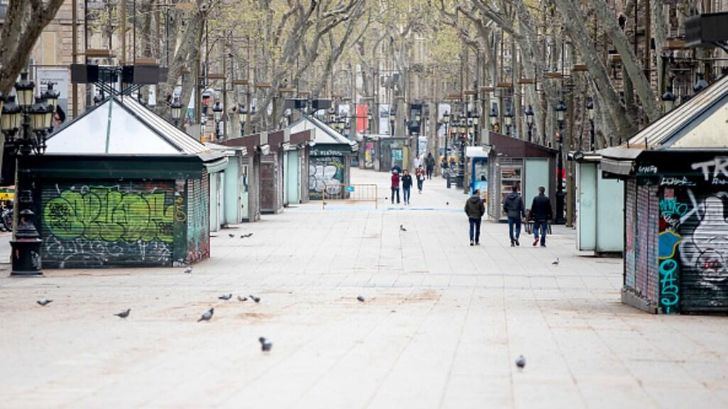 De Ramblas in Barcelona is zo goed als uitgestorven.