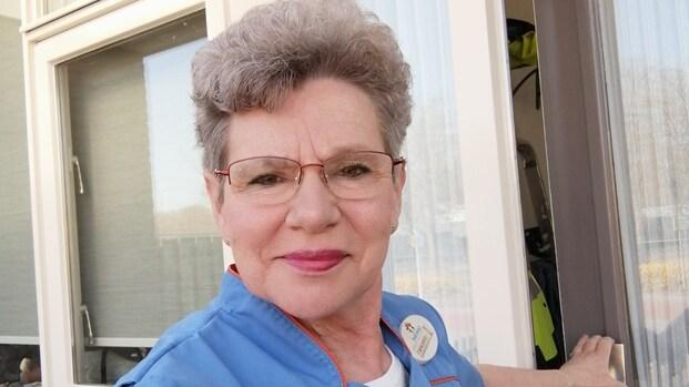 Zij houden Nederland draaiende: 'Ik geef niet toe aan de angst', zegt thuiszorgmedewerker Margriet (64)