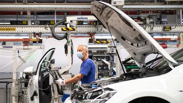 Duitse automerken waarschuwen: chiptekorten houden aan