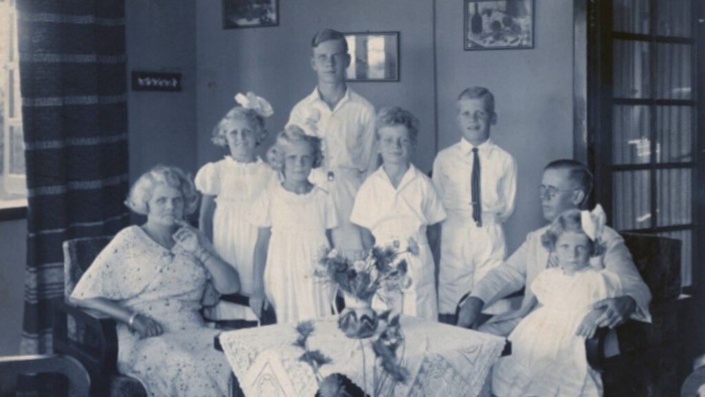 De moeder van Marianne (het meisje links) was het oudste meisje in het gezin.