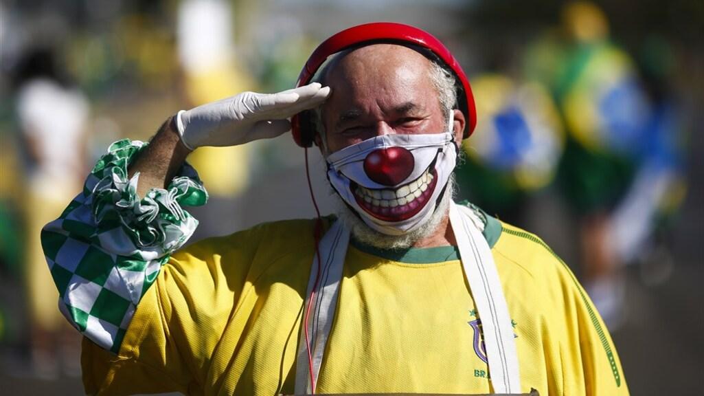 Een aanhanger van de Braziliaanse president Bolsonaro tijdens een demonstratie.