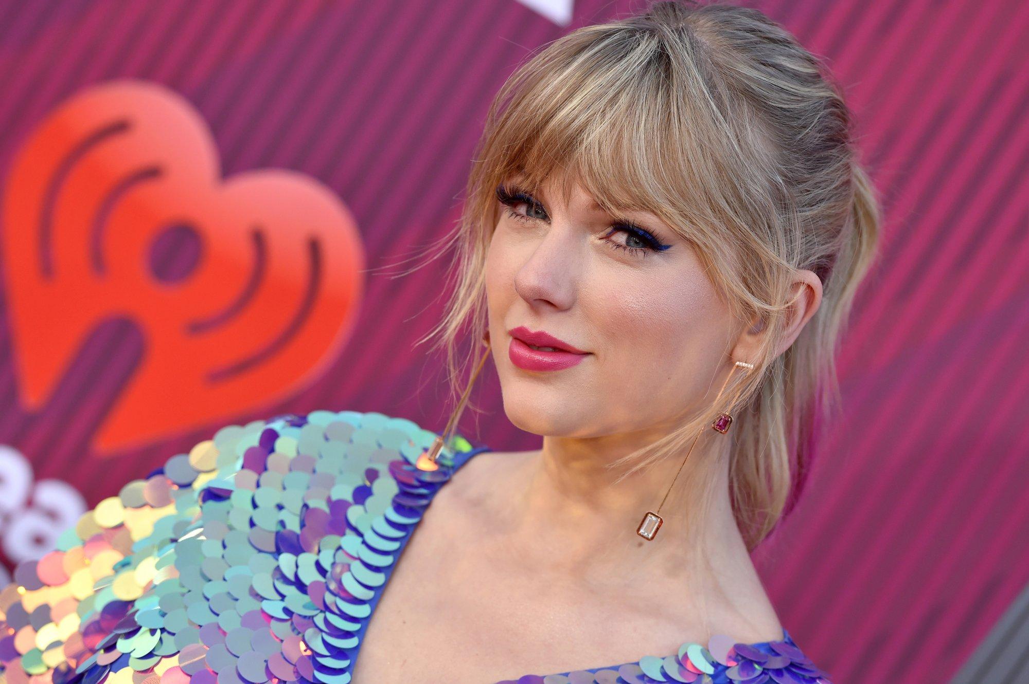 Taylor Swift baalt van erkenning slechts twee genders in VS thumbnail