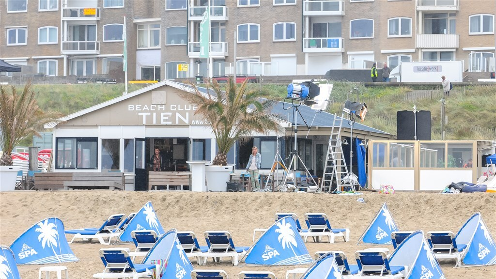 Beach Club Tien in Zandvoort in 2014 tijdens de opnames van de film Schone Handen.