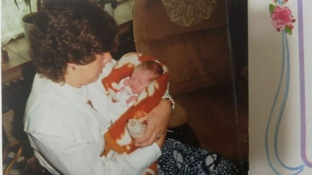 Ingrid en haar dochter kort na de geboorte.
