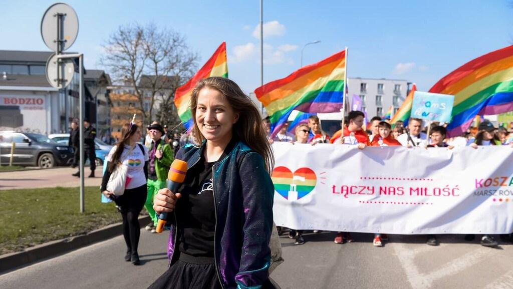 Julia Maciocha bij de gelijkheidsparade in Warschau.