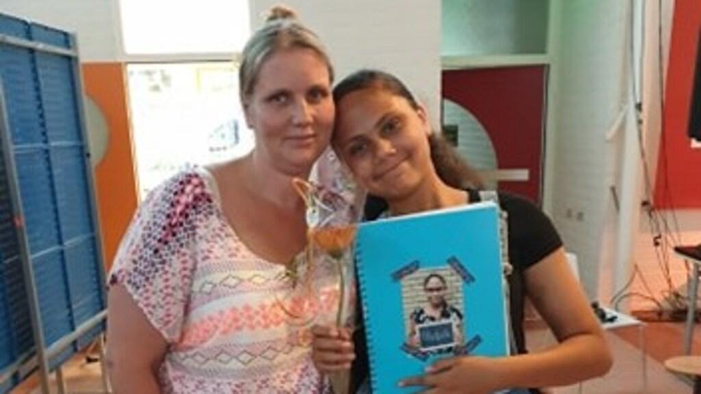 Marina met haar dochter Michaela (7).