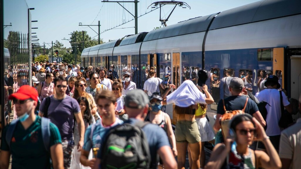 Grote drukte op het station van Zandvoort.