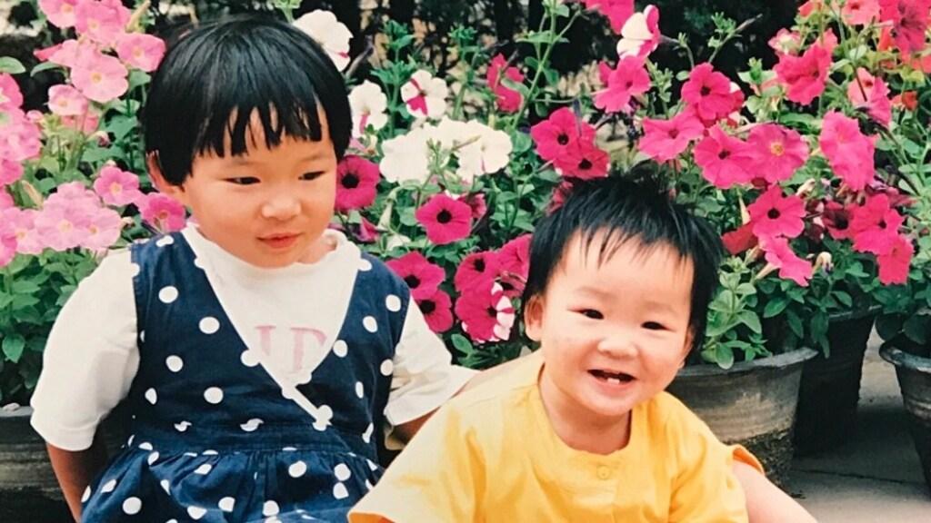 Xiangxia met haar oudere zus Gaulili.