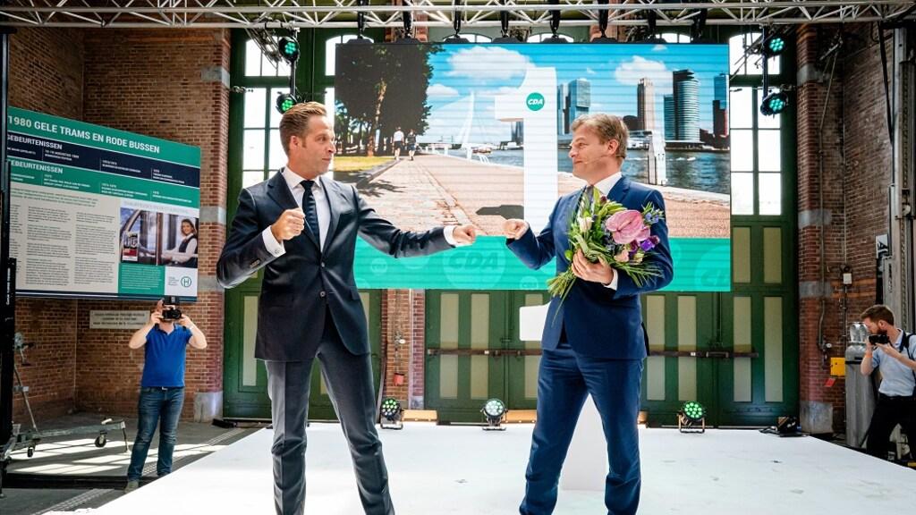Hugo De Jonge en Pieter Omtzigt bij de uitslag van lijsttrekkersstrijd.