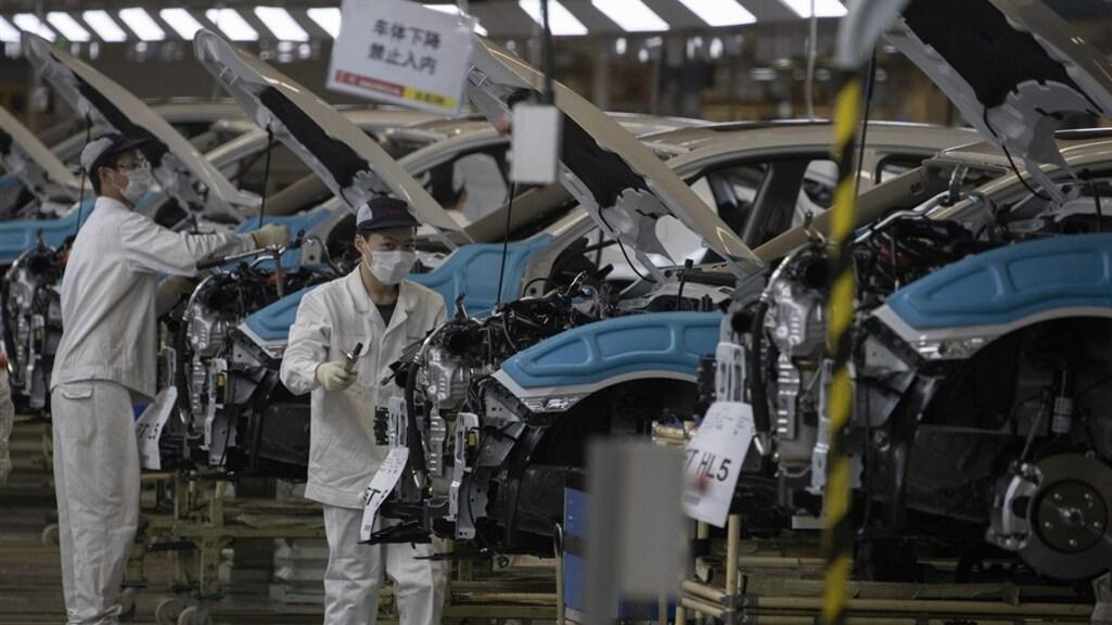Deze autofabriek van Dongfeng in Wuhan draaide in april alweer op volle toeren.
