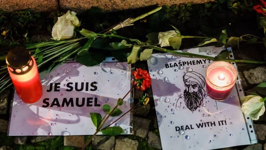 Ook in Berlijn is de onthoofde Franse leraar Samuel Paty herdacht.