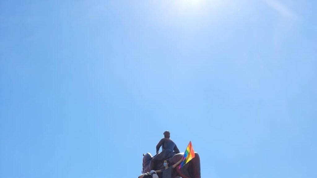 Op Plaza Baquedano wordt deze week campagne gevoerd voor een nieuwe grondwet. De Chilenen gaan massaal de straat op.