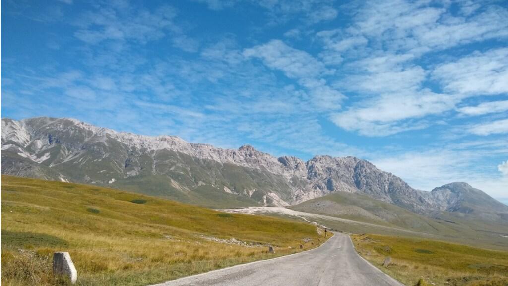 De bergen van het Gran Sasso massief, vlakbij Santo Stefano di Sessanio.