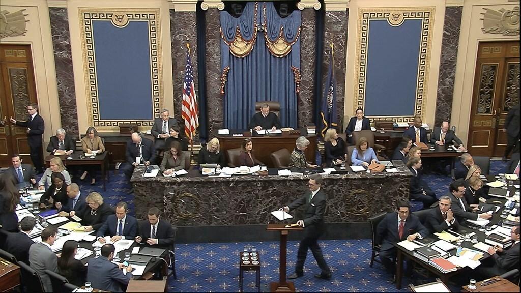 Als in de Senaat het aantal stemmen gelijk is, geeft die van de vicepresident de doorslag.