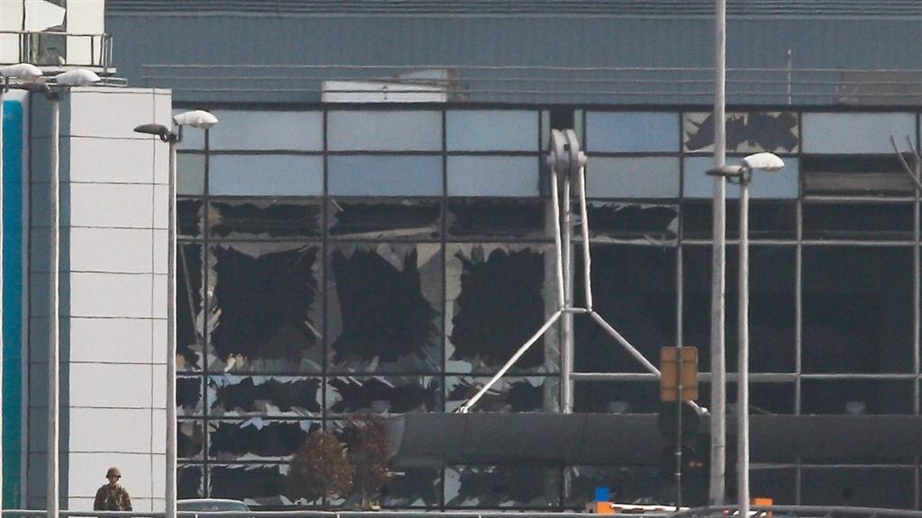 De Brusselse luchthaven is zwaar beschadigd na een aanslag in 2016.