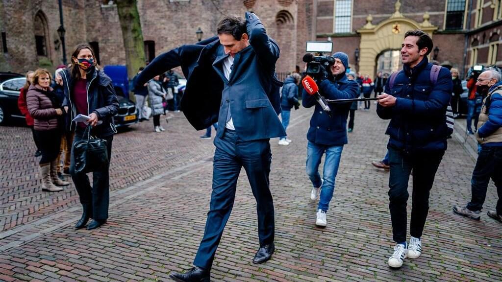 Verslaggever Maarten Holla vroeg onze minsters, waaronder Wopke Hoekstra, of ze niet te hard werken.