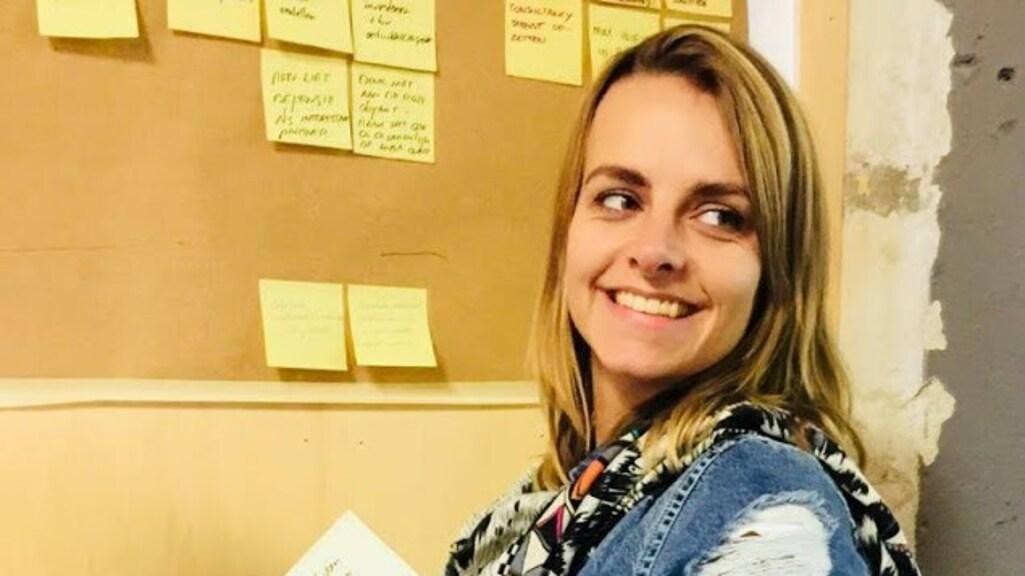 Zorgmedewerker Marjoleijn twijfelt over het vaccin.