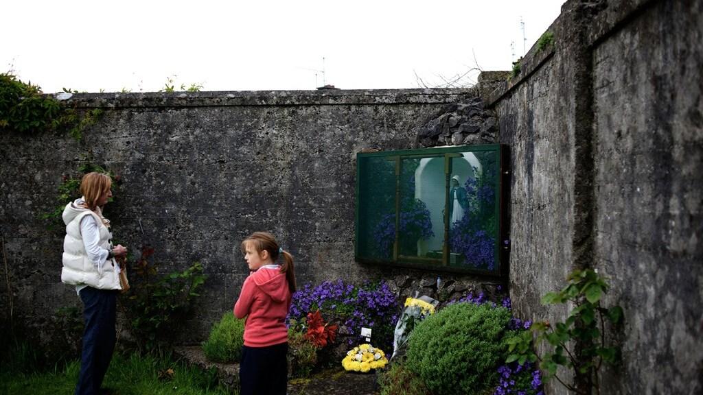 Een altaar voor de slachtoffers van het St. Mary's opvanghuis.