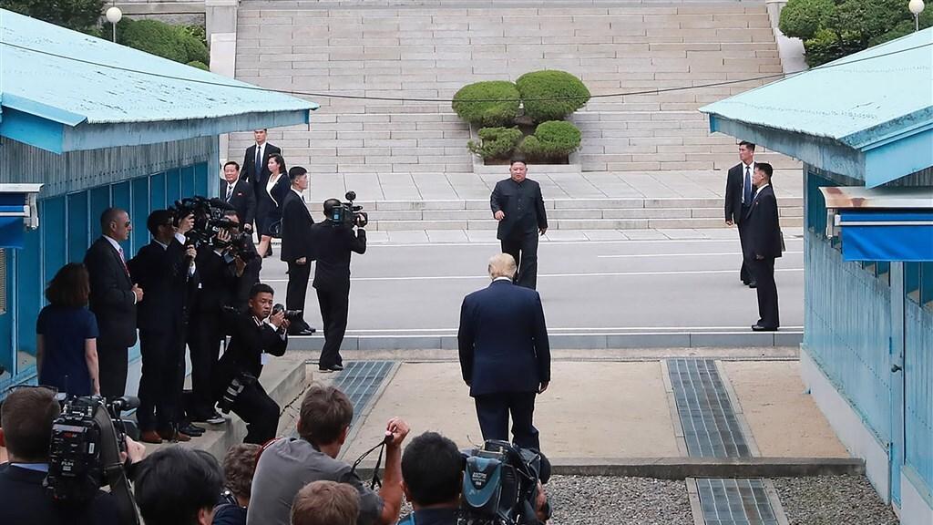 Als eerste Amerikaanse president ooit bezoekt Donald Trump Noord-Korea, in juni 2019.