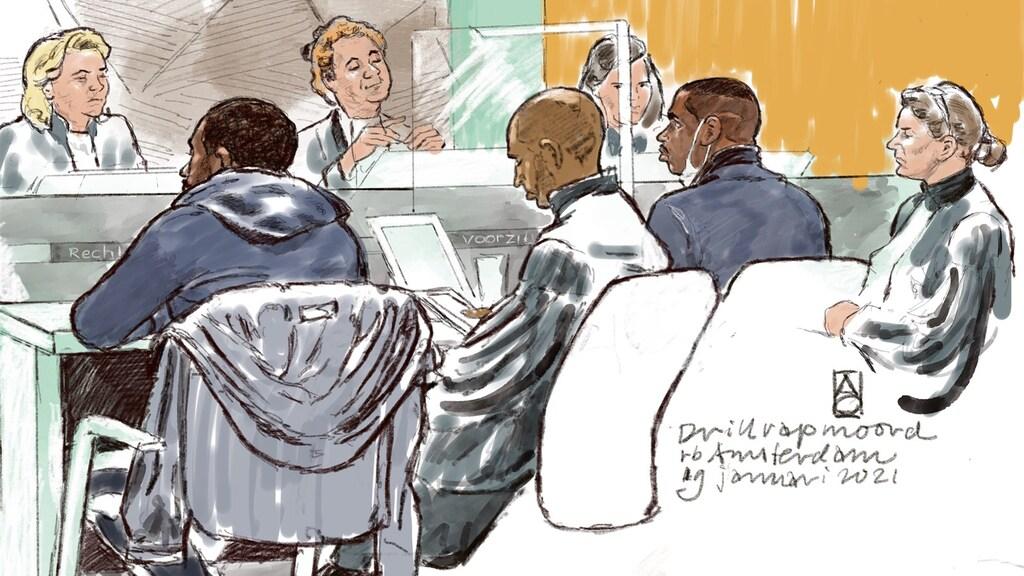 De verdachten (links en tweede van rechts) deze week in de rechtbank.